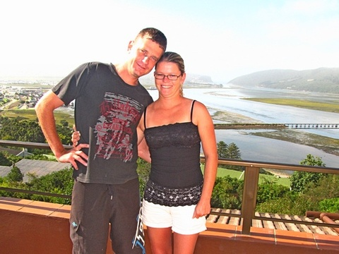 Sian & Raymond Uren on honeymoon 4-6 March 2015: Absolutely amazing place. The name says it all. Unbelievable views of Knysna and lagoon. Hospitality of Jen is as amazing the place itself. Will return for a longer stay for next honeymoon.