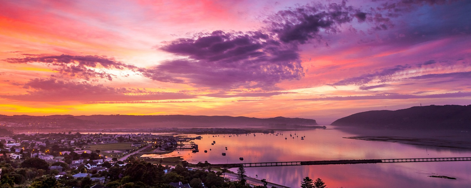 Paradise Found accommodation in Knysna has a heavenly view of Knysna, the lagoon and famous Heads.